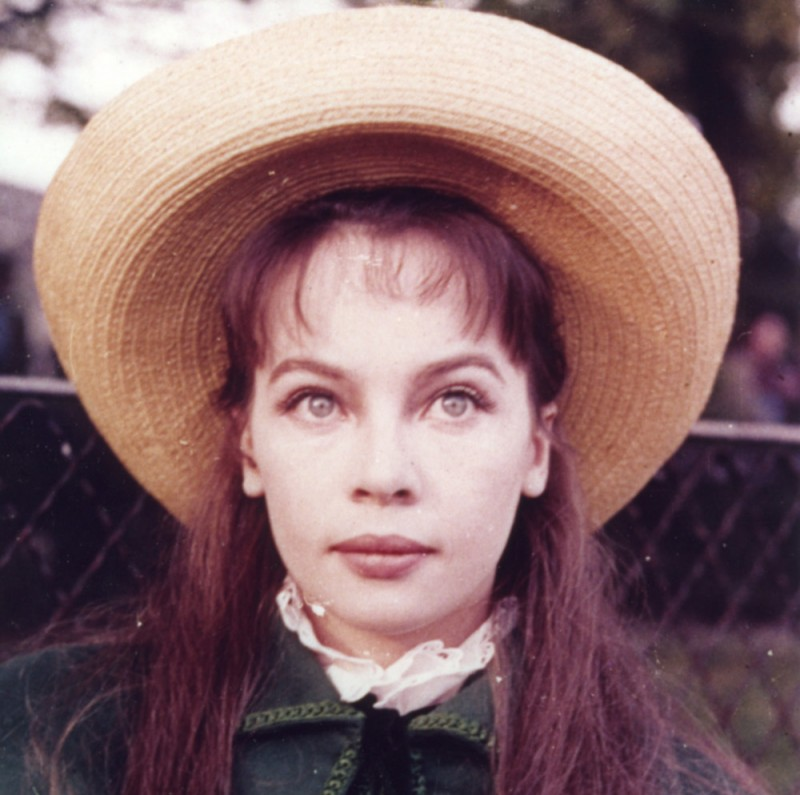 Leslie Caron Remembers It Well