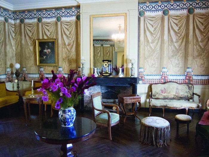 Château de Saché dining room