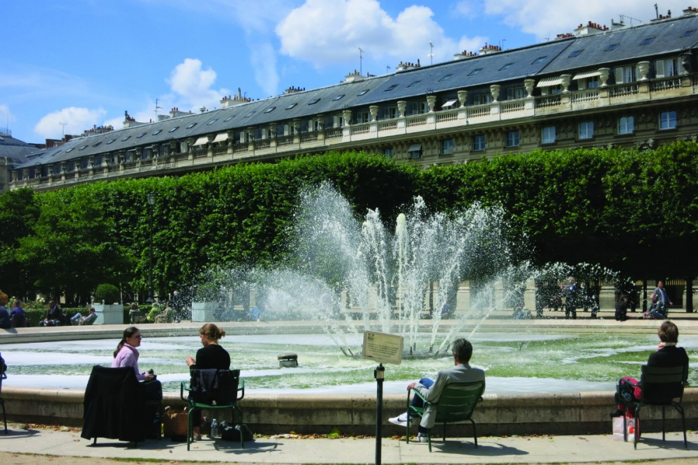 parisian walkways: palais-royal gardens