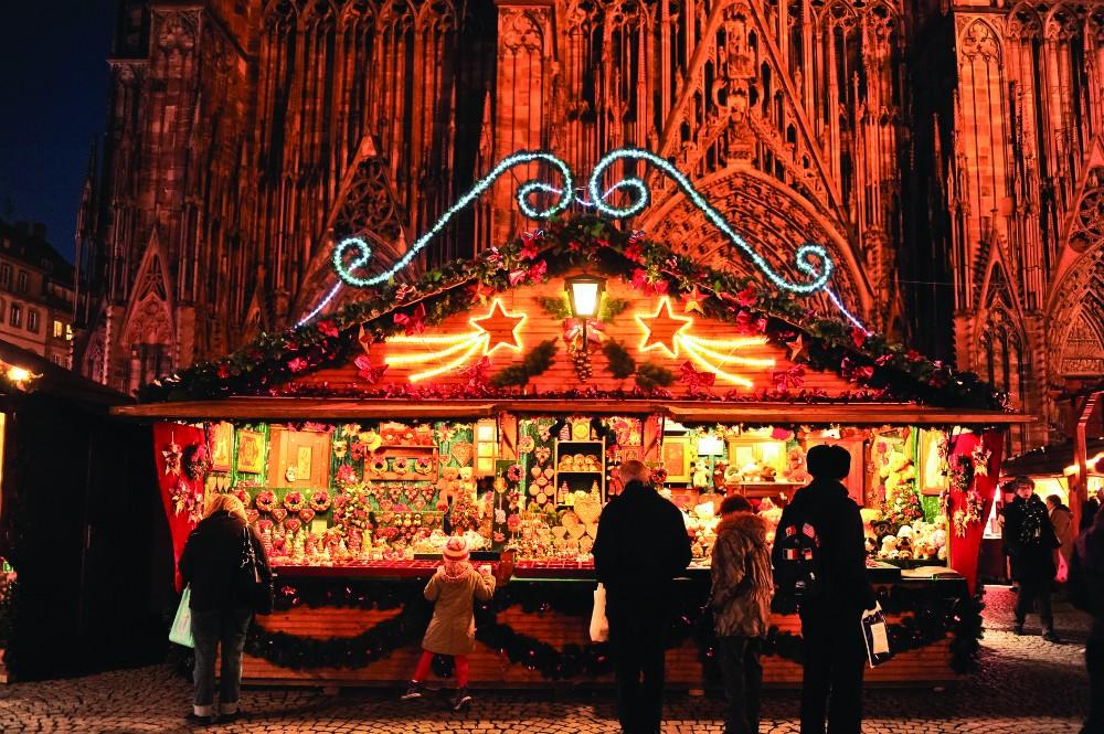 Illuminating Nativity On Tokay >> Marches De Noel Exploring French Christmas Markets