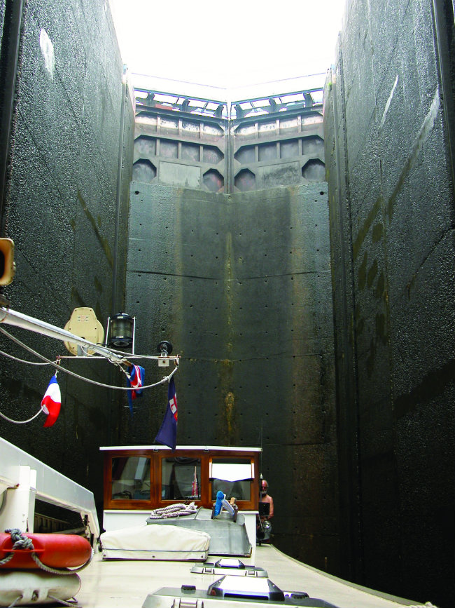 lock at Rechicourt-le-Chateau