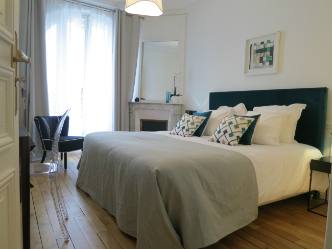 Raysse Room at Relais 12 Bis Paris