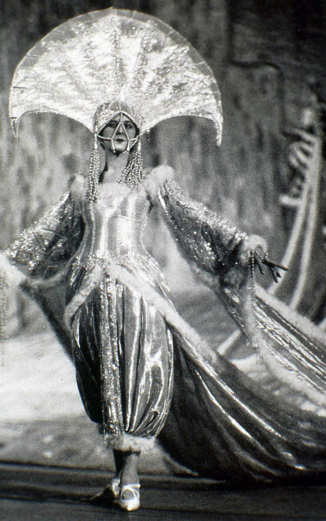 From Fashion To Movies Ert 233 Amp The History Of Art Deco In