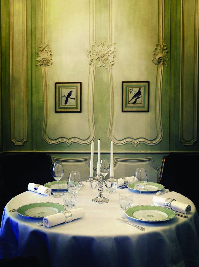 The dining table at Le Clarence