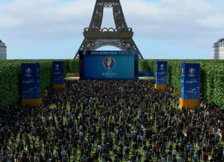 Eiffel Tower Fan zone