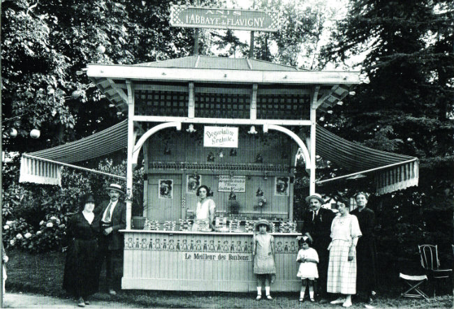 The kiosk at the 1867 Exposition Universelle in Paris