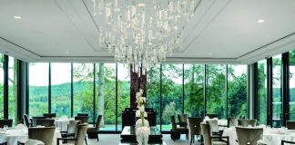 Villa René Lalique dining room