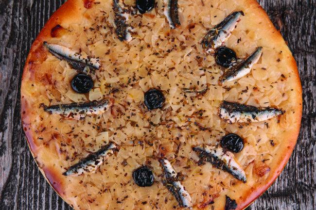 La pissaladière, a niçoise culinary specialty