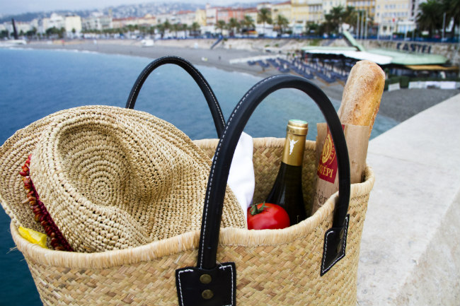 the perfect picnic on the French Riviera
