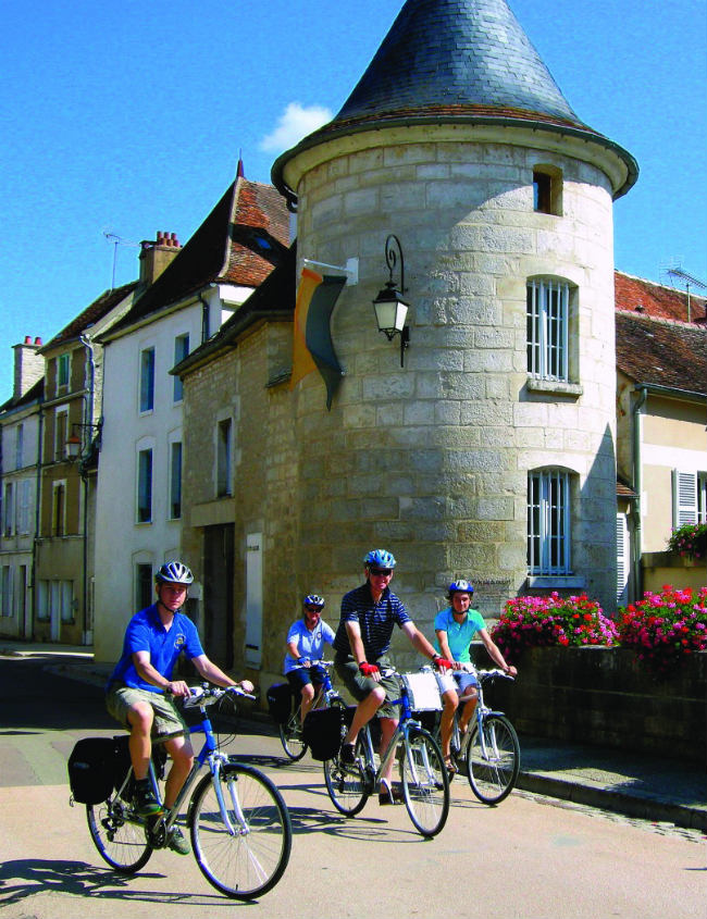 Group cycling in Burgundy
