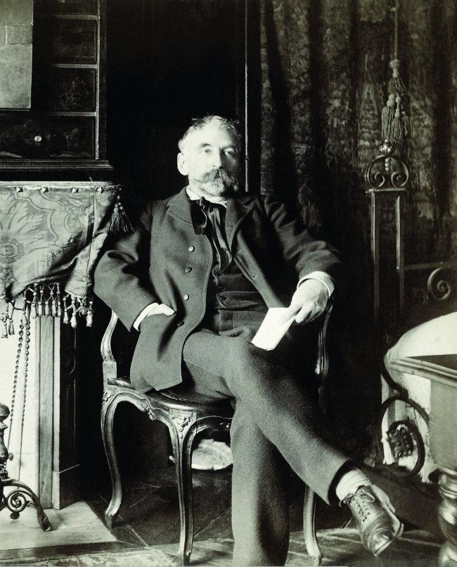 Stéphane Mallarmé by Dornac