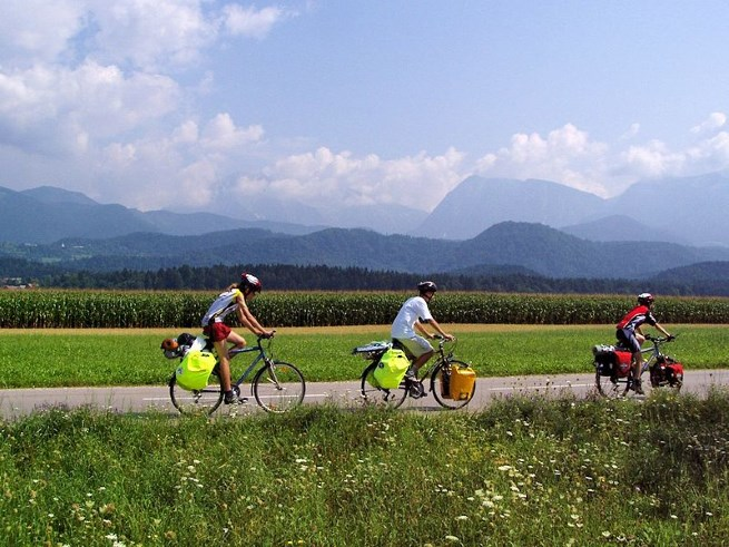 Summer Bicycle Tour © Marek Ślusarczyk and Creative Commons