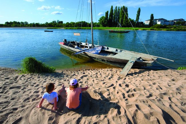 The River Loire and its many tributaries offer incomparable boating opportunities