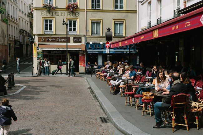 Café Delmas, 2 Place de la Contrescarpe, 75005 Paris, France. © Matt Casagrande & Creative Commons