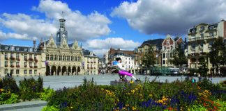 The lovely open square of Saint-Quentin