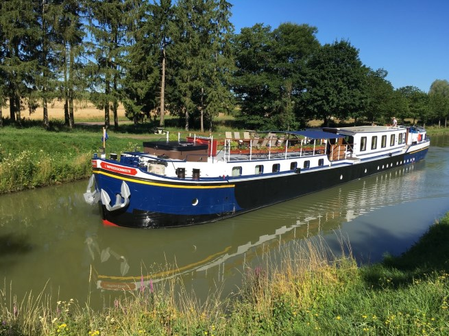 Barging in Burgundy | A boating tour of the Burgundy Canal