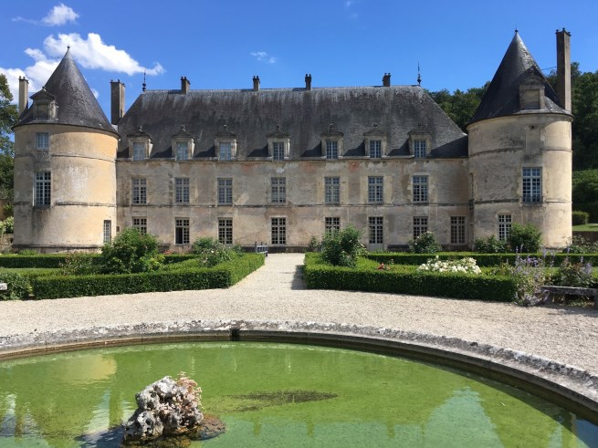 Daily excursions include a visit to Chateau de Bussy-Rabutin, surrounded by lovely gardens.