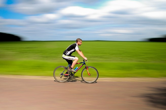 A Flat-barred Road Bike in France © Pixabay and Creative Commons