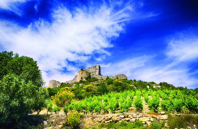 Château d'Aguilar. Photo: © G. Deschamps