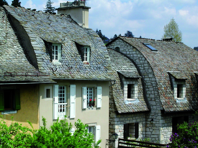 Rooftop style popularized by the 16th century architect Philibert de l'Orme