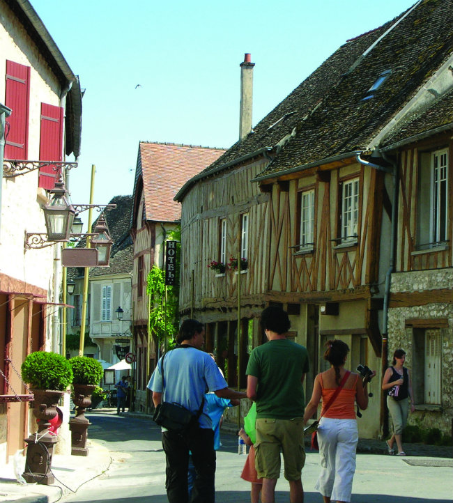 la rue Couverte in Provins