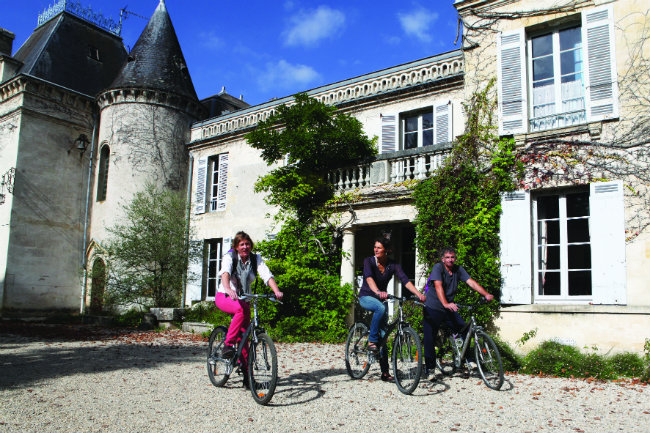 Bike touring around the vineyards at Château Bardins