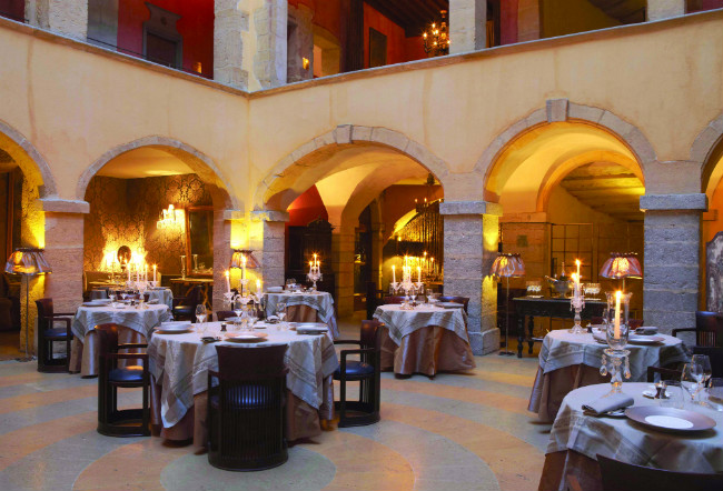 Restaurant Reviews Les Loges In Lyon The French Culinary