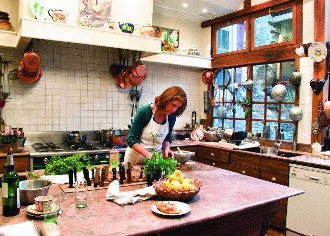 In A French Kitchen By Susan Herrmann Loomis Cooking And