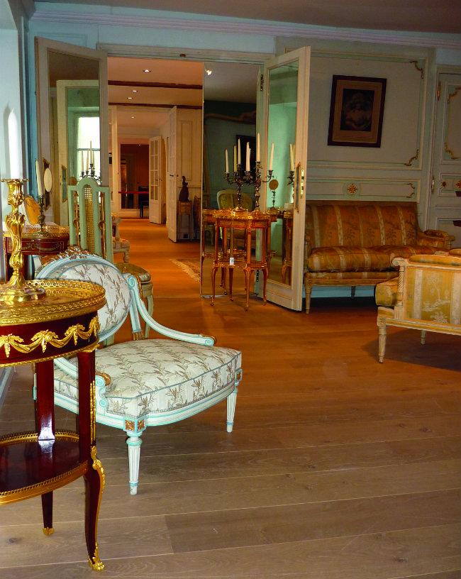 Dissidi furniture