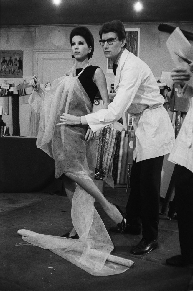 Yves saint laurent fashion exhibition at the virginia for Miroir yves saint laurent