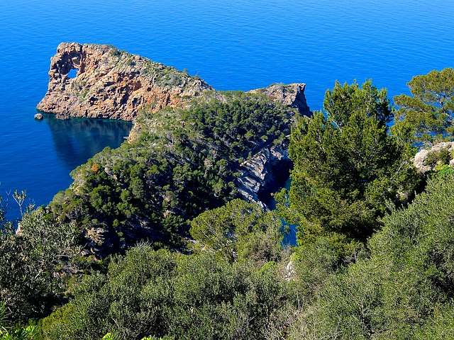 10 Reasons to visit Corsica