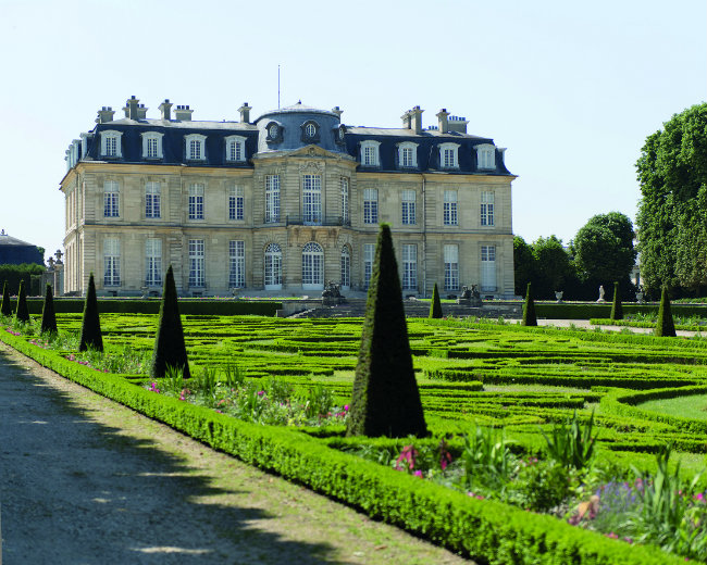France travel sightseeing 12 most iconic ch teaux of le de france - Parking porte de saint cloud ...