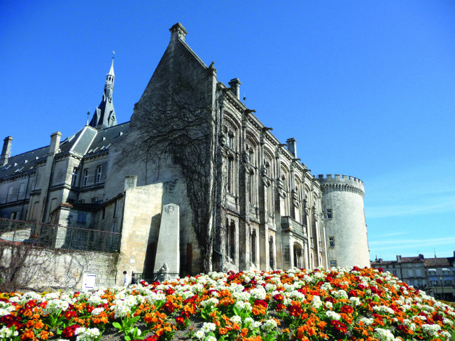 Travel and holidays in france double the fun in the two charentes - Office du tourisme angouleme ...