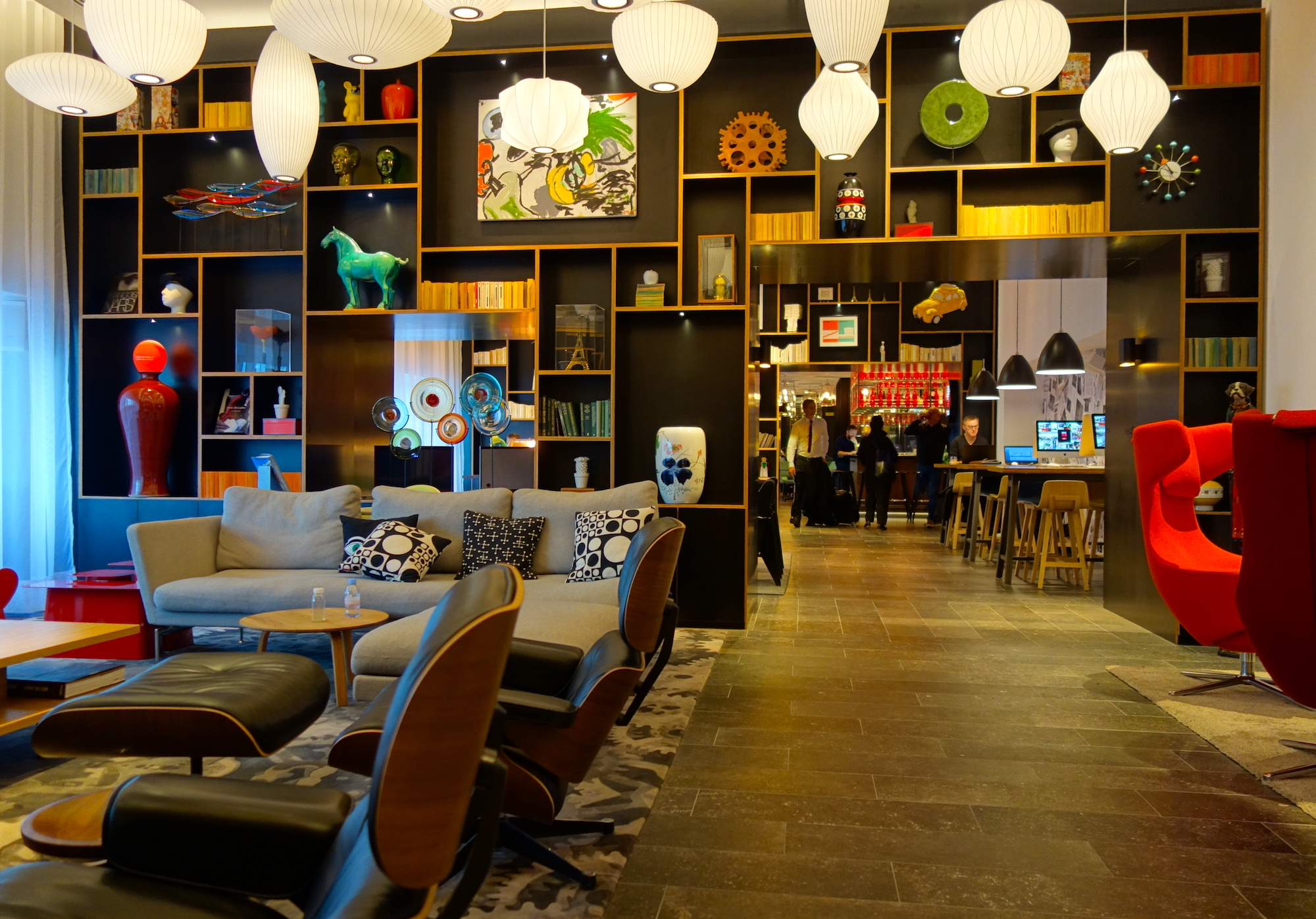 citizenm gare de lyon a casual arty hotel in paris. Black Bedroom Furniture Sets. Home Design Ideas