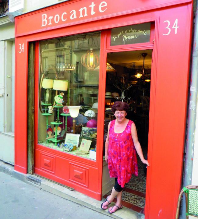 parisian walkways rue v ron a quieter part of montmartre. Black Bedroom Furniture Sets. Home Design Ideas