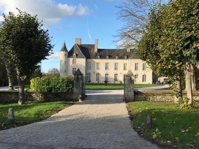 Château, Holiday