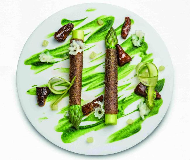 Restaurant Reviews Apicius A Favourite Power Table In Paris