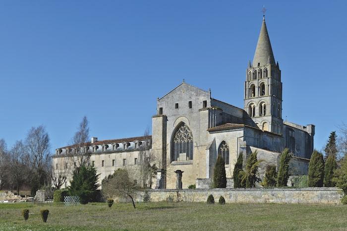 Benedictine abbey, Bassac