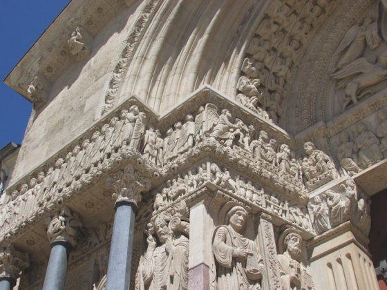 Portico carvings, Saint Trophime