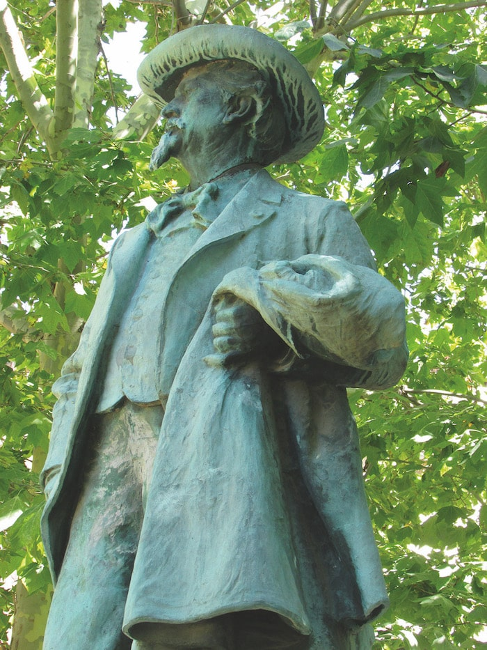 Frederic Mistral, Nobel Prize for Literature for a poem written in Occitan