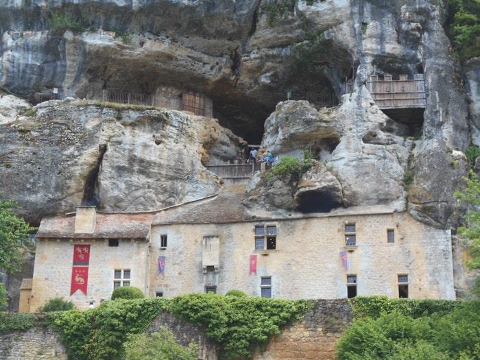 The Last Cave Castle