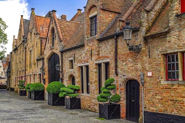 Street houses in Brudge