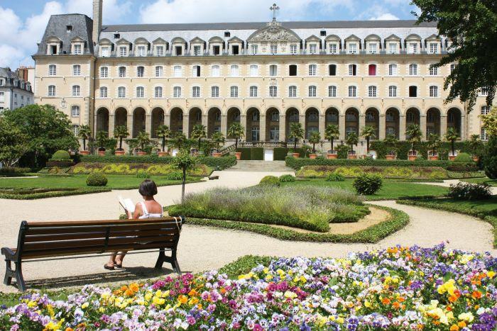 Jardins St Georges and Magdelaine de La Fayette Palace, Rennes