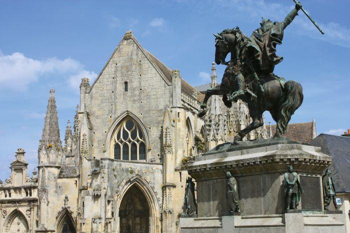 Falaise, William the Conqueror statue