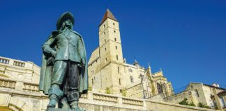 The statue of the legendary D'Artagnan, one of Gascony's most famous sons, in the stunning town of Auch, which is also home to a collection of Pre-Columbian art