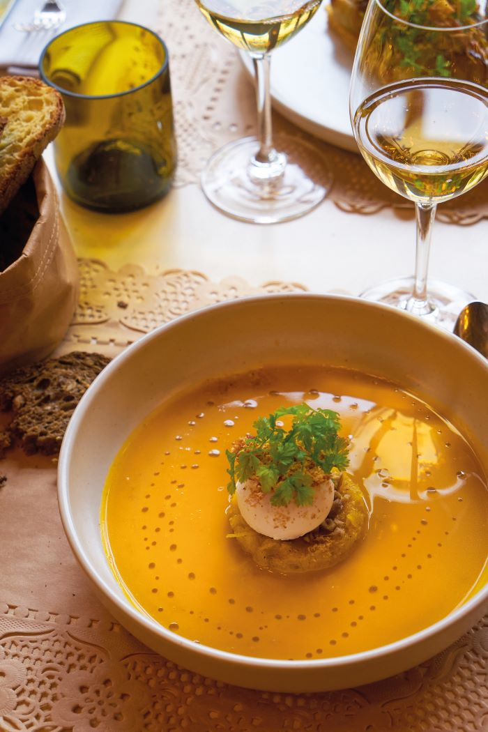 Les Sources de Cheverny serves pumpkin soup