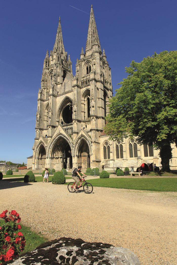 The Abbaye Saint-Jean-des-Vignes © cambon
