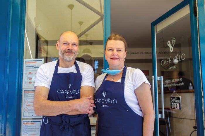 Charles and Anna at their popular cycling café in Nevers, Café Vélo, which is also well-liked by non-cyclists (Photo Youri Gavriloff