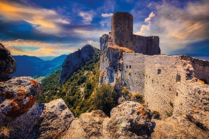 Cathar castle of Peyrepertuse, high in the Pyrenees © Shutterstoc
