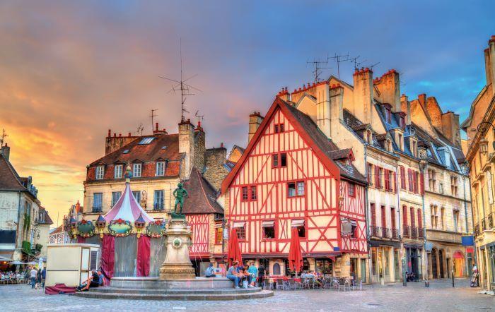raditional buildings in historic Dijon © shutterstock